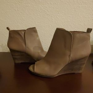 Ankle boots, Upper leather